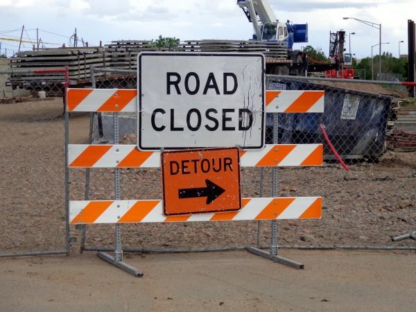road-closed-detour-sign-600x450.jpg